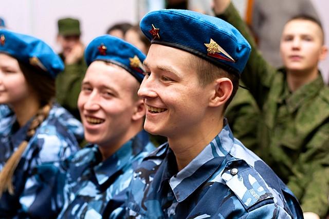 Sluzhu_Rossii_01.jpg