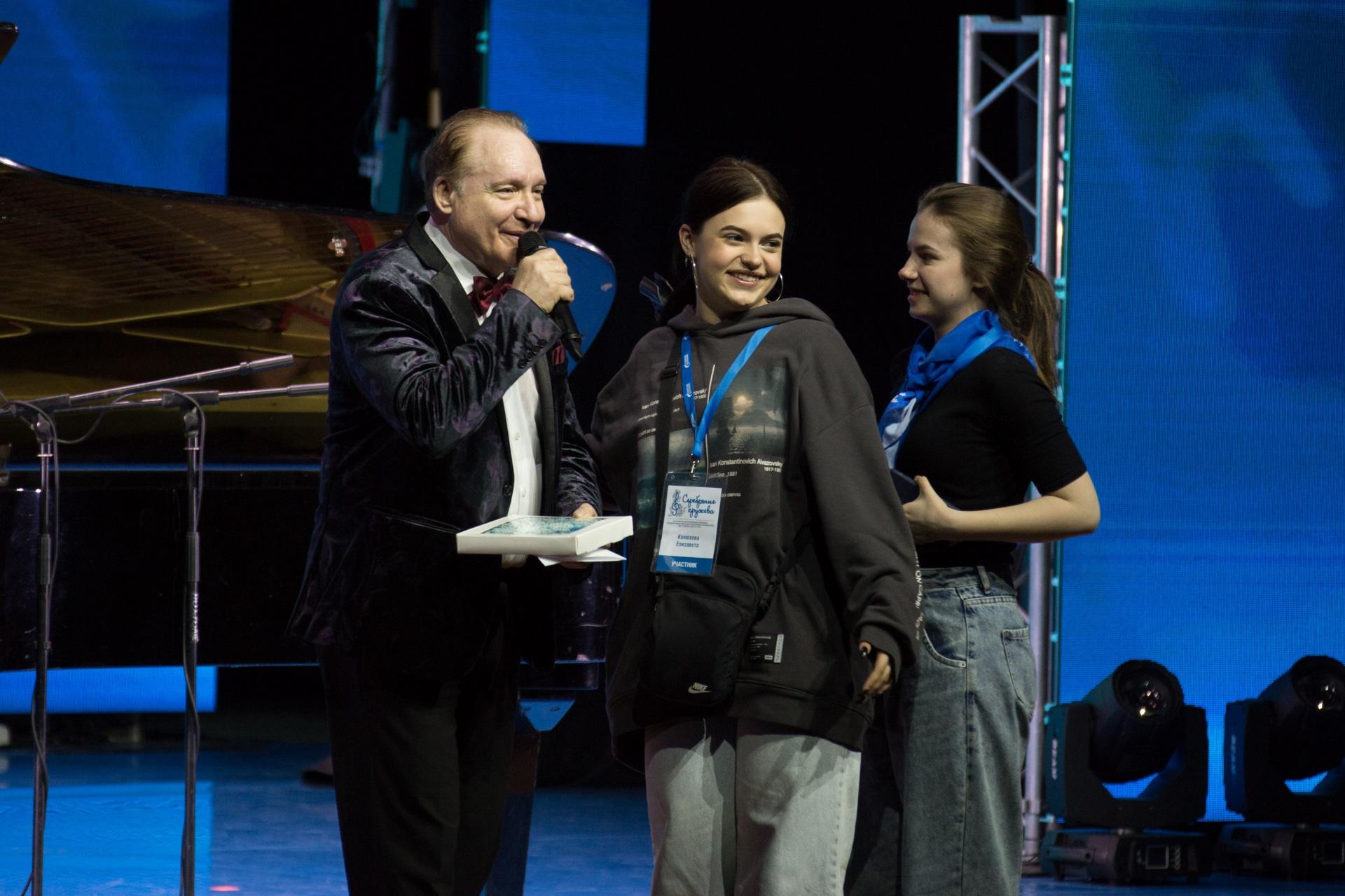 26_20201.05.14-Festival-Serebryanye-krugheva.-Tvorcheskaya-vstrecha.-Foto-E.-Ghdanov.jpg